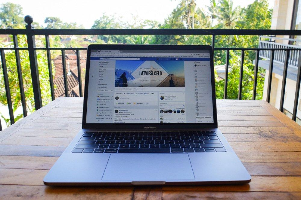 Dators un Latvieši ceļo Facebook grupa - Ceļotājiem noderīgas interneta vietnes - Latvieši Ceļo