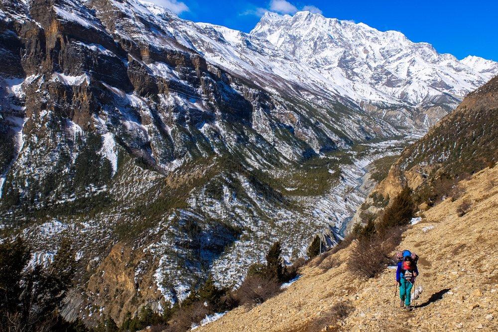 Ejot Annapurnas apļa pārgājienu - Labākās budžeta viesnīcas Pokharā