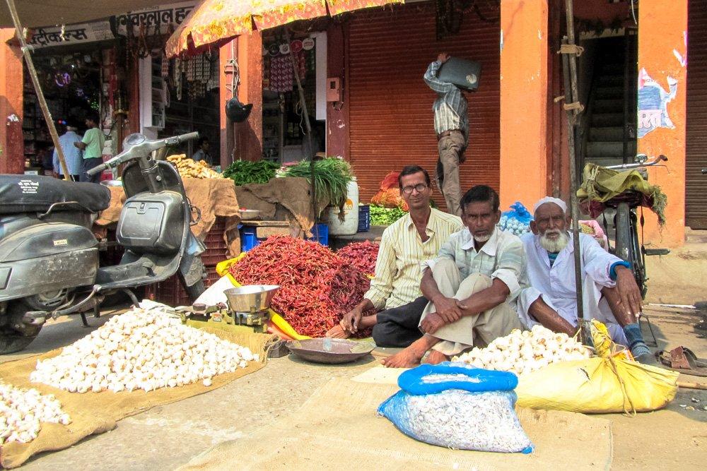 Ielu tirgotāji Džaipurā - Labākās budžeta viesnīcas Džaipurā