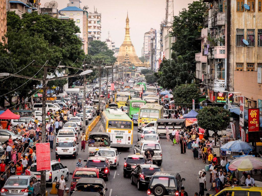 Jangonas satiksme - Labākās budžeta viesnīcas Jangonā