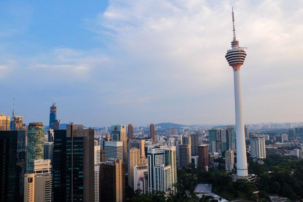 KL Tower tornis Kualalumpurā, Malaizijā - Labākās budžeta viesnīcas Kualalumpurā