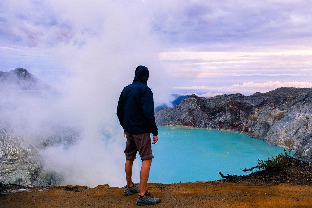 Kaspars pie Ijen vulkāna Indonēzijā - Latvieši Ceļo