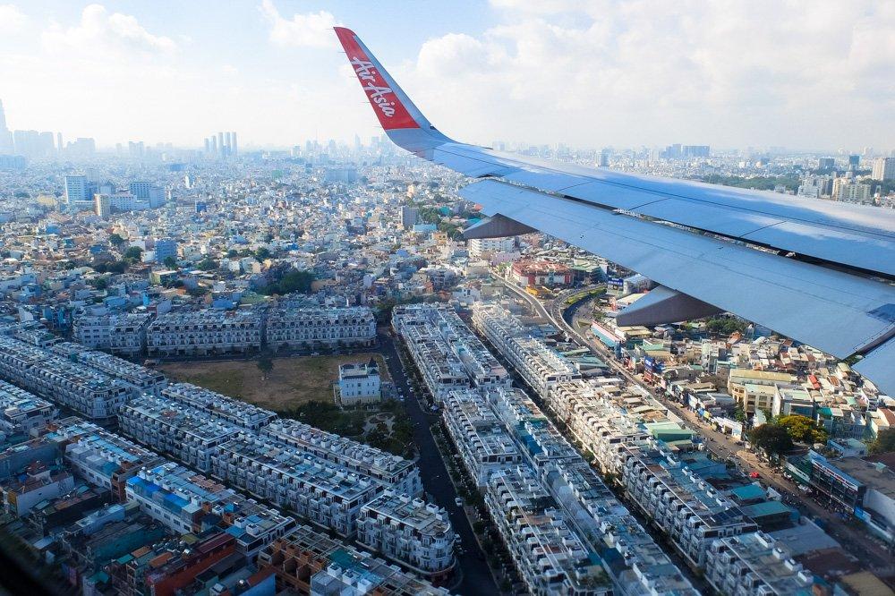 Hošimina no lidmašīnas loga - 2 nedēļas Vjetnamā ceļojuma plāns