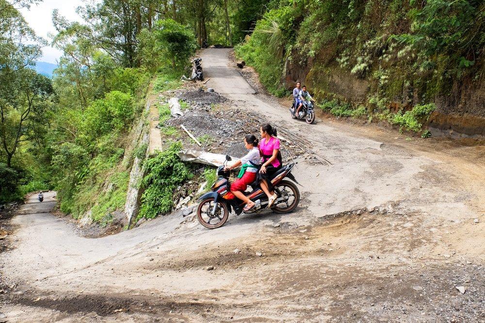 Kalnu ceļš - Ar motorolleri pa Bali salu