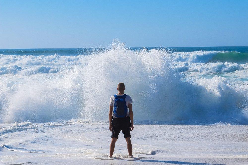 Okeāns un viļņi- Labākās budžeta viesnīcas Porto