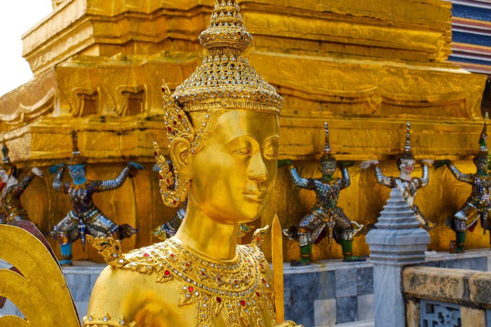 Statujas templi - Laosas viza