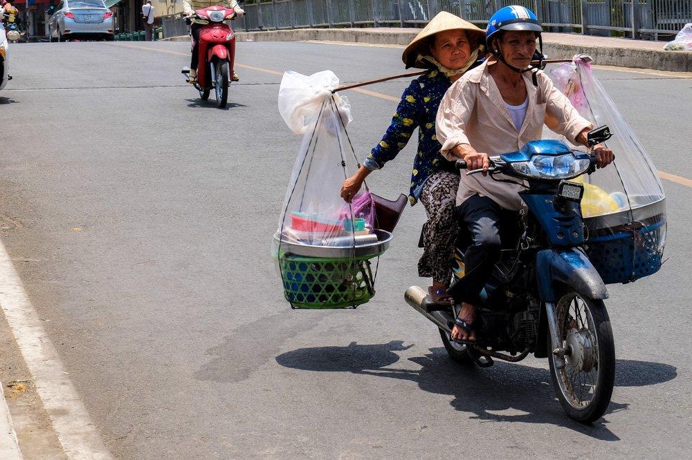 Vjetnamiešu pāris uz motorollera - 2 nedēļas Vjetnamā ceļojuma plāns