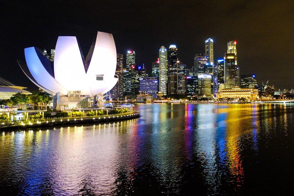 Singapūras biznesa rajons naktī - 2 nedēļas Malaizijā