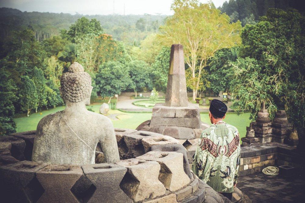 Statujas Borobudurā - Viesnīcas Borobudurā, Indonēzijā