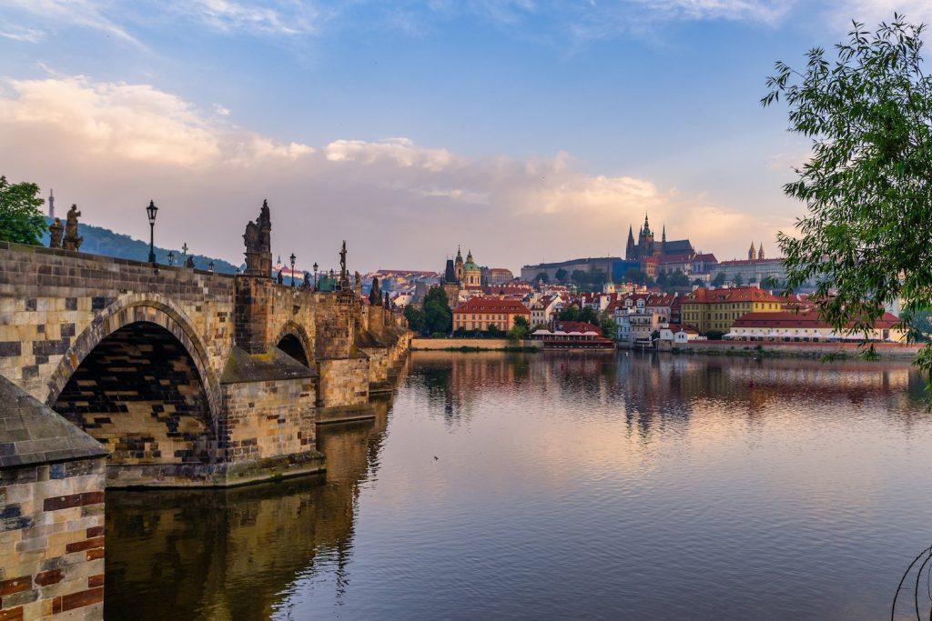 Tilts Prāgā, Čehija