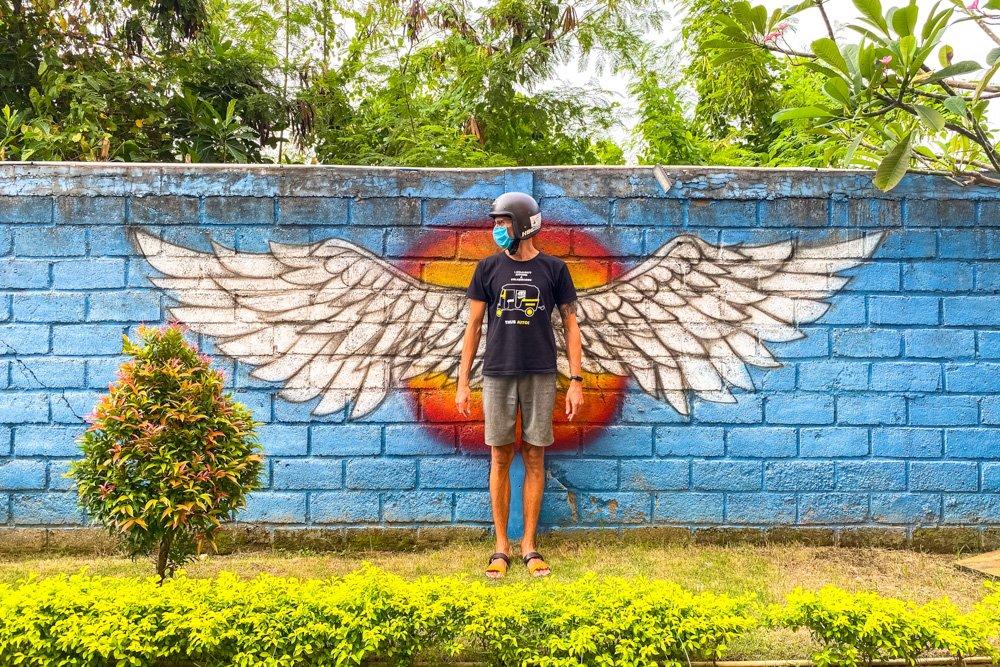 Kaspars pie sienas Bali